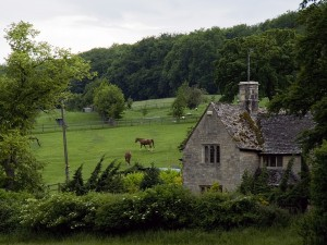 Cotswolds_Landscape_Cottage_wikimedia